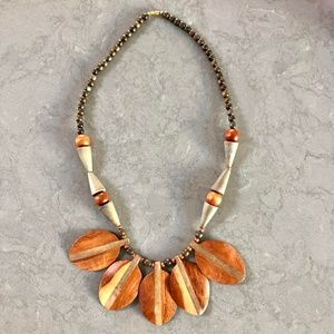80s Bohemian Wooden Leaf Beads Bib Necklace
